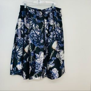 Truly 4 You Woman's Skirt 3X  Black Floral Chains